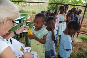 Nüsse mögen die Kinder besonders gern.